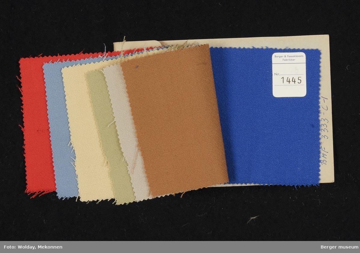 Prøvehefte med 7 prøver Kjole Kvalitet 6009 Stykkfarget