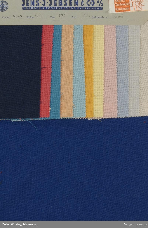 Prøvehefte med 12 prøver Kjole/skjort Kvalitet 6549 Stykkfarget