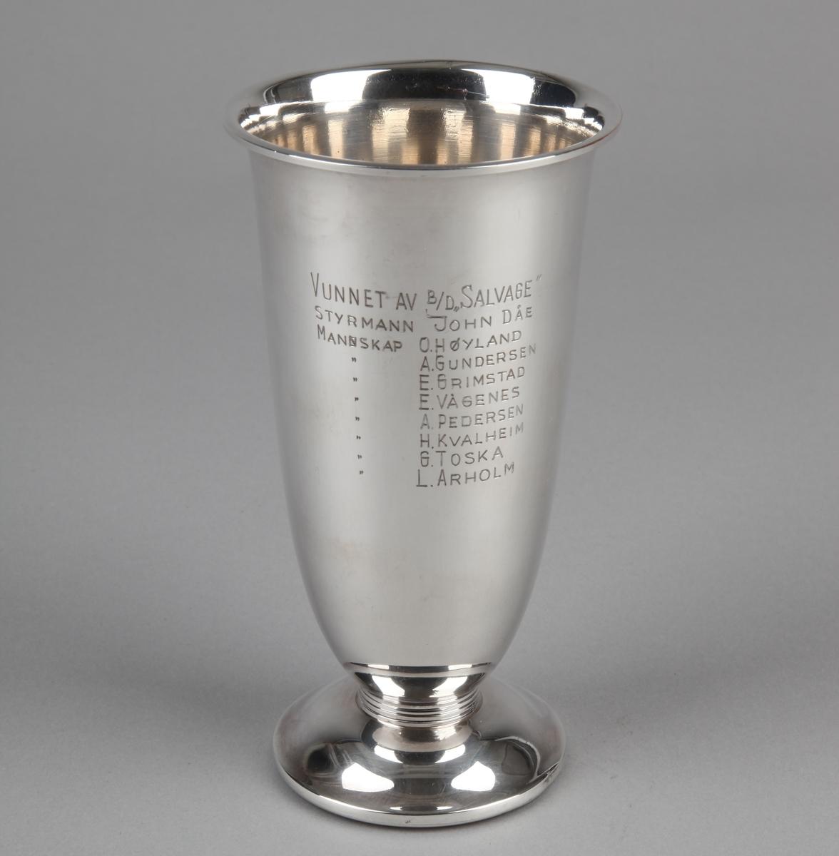 Pokal gitt bjergningsdamper SALVAGE.