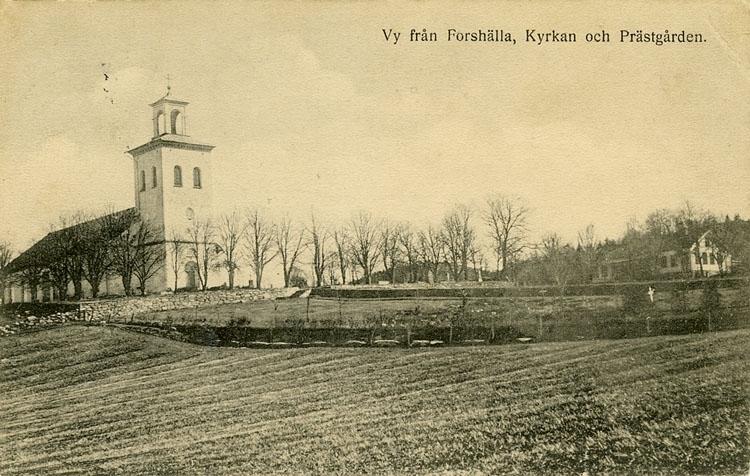 """Enligt Bengt Lundins noteringar: """"Vy från Forshälla kyrka och prästgård""""."""