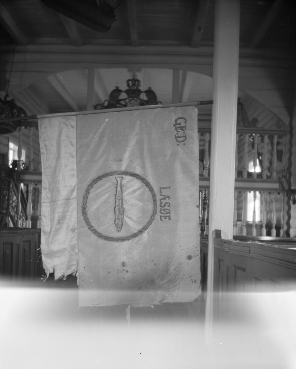 Bygdefane for Lesja vist i Dovre kirke