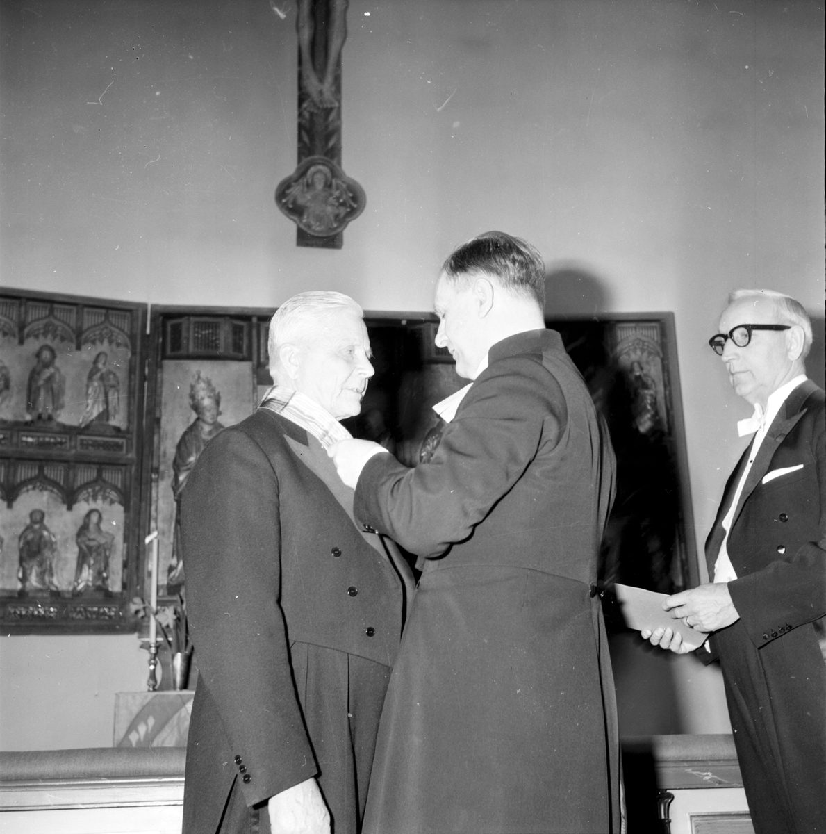 Bollnäs, Carlsson Carl, Kyrkvärd får medalj, 10 April 1966