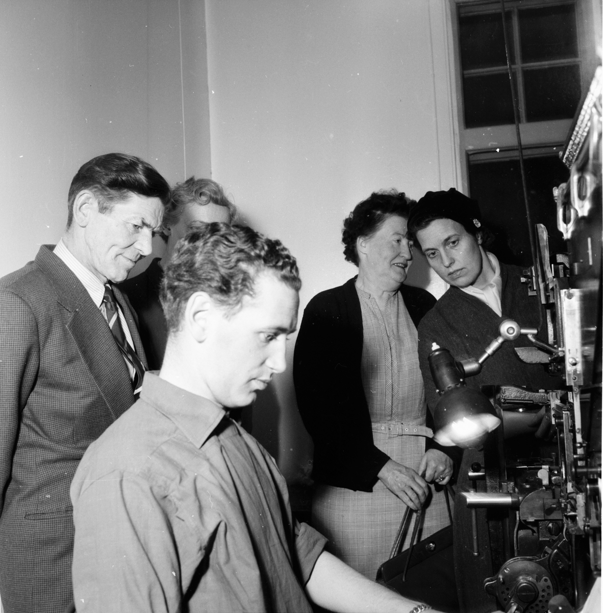 Hantverkare på besök på Ljusnan. 19/8 1958