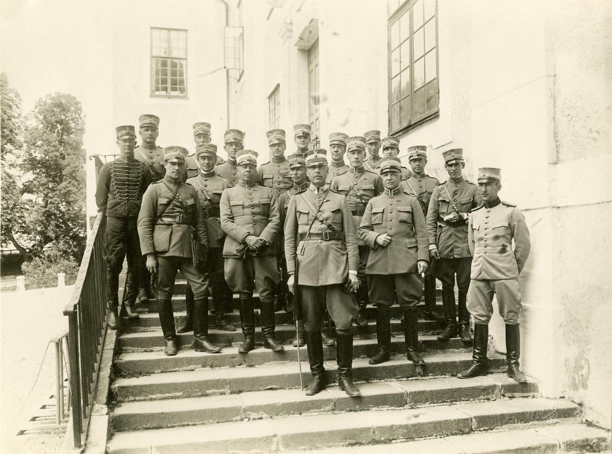 Grupporträtt av officerare på Strömsholm 1935. För namn, se bild nr. 2.