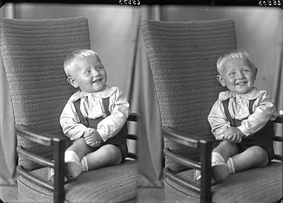 Portrett. Liten gutt. Bestilt av Maskinist Harald Halvorsen.