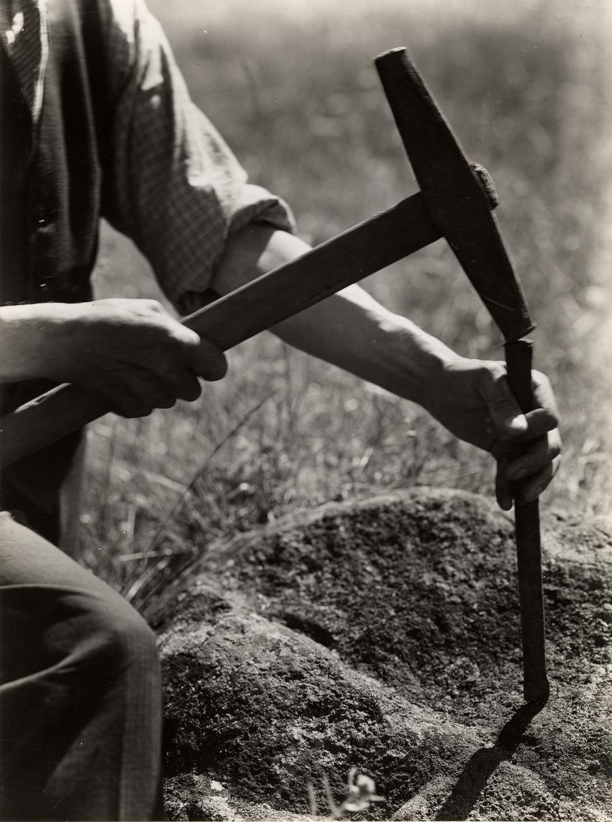 Bergsmannens gamla verktyg. Borrslägga och navare.