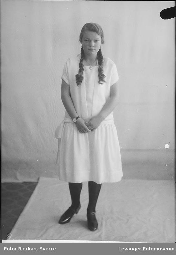 Portrett av Ruth Almestad
