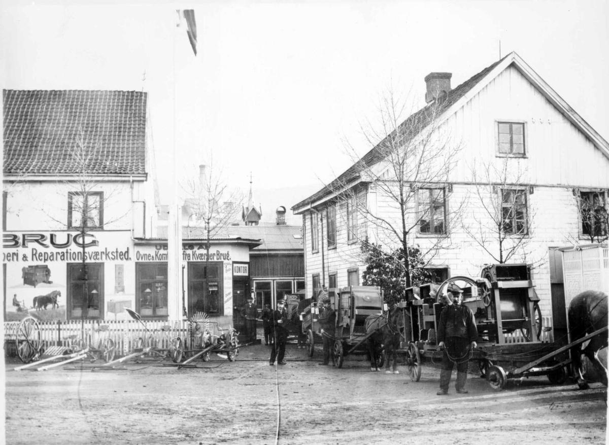 Repro: Bygårder i Lillehammer. Lilletorget 1, Mesna Brug