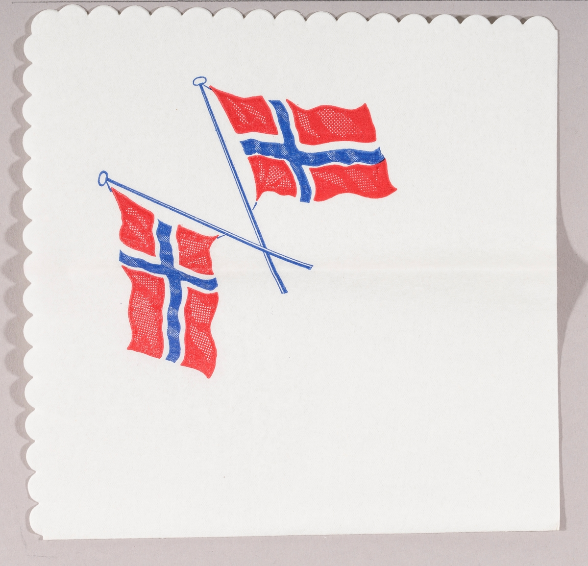 To norske flagg i kryss.