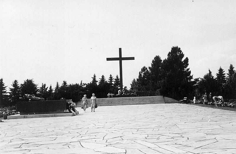 Hjältegraven på Sandudd, Helsingfors