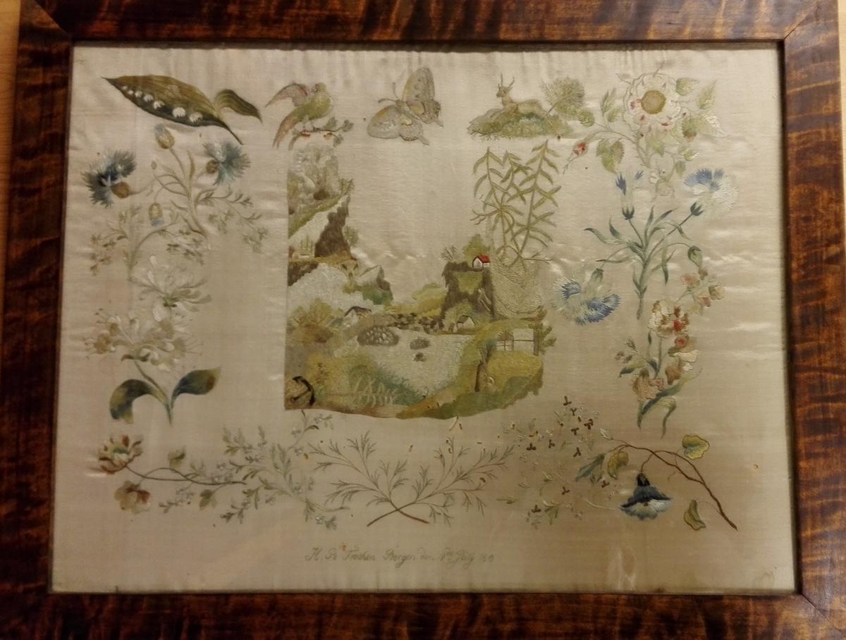 Landskap med hus,vann,fjell,trær,blomster,fugler og dyr