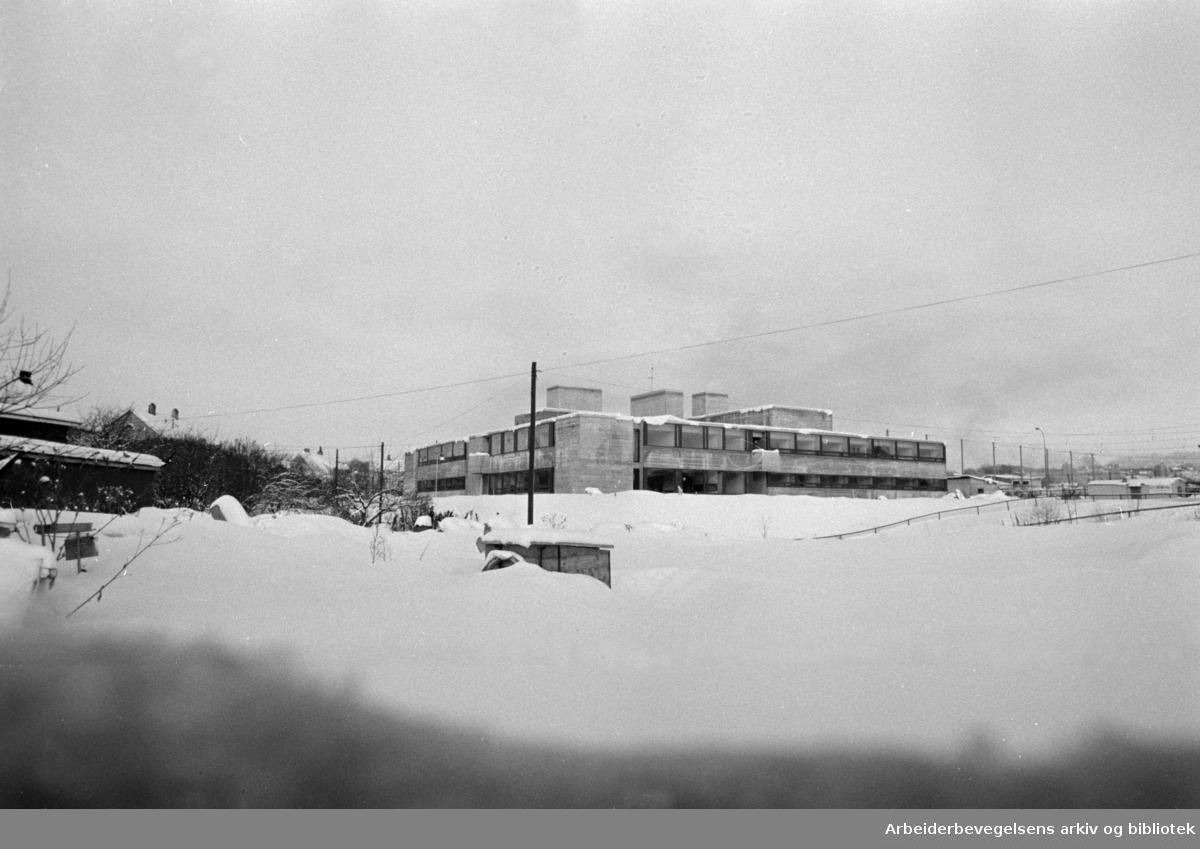 Nic. Waals Institutt flyttet til Uelandsgaten 80. Januar 1969