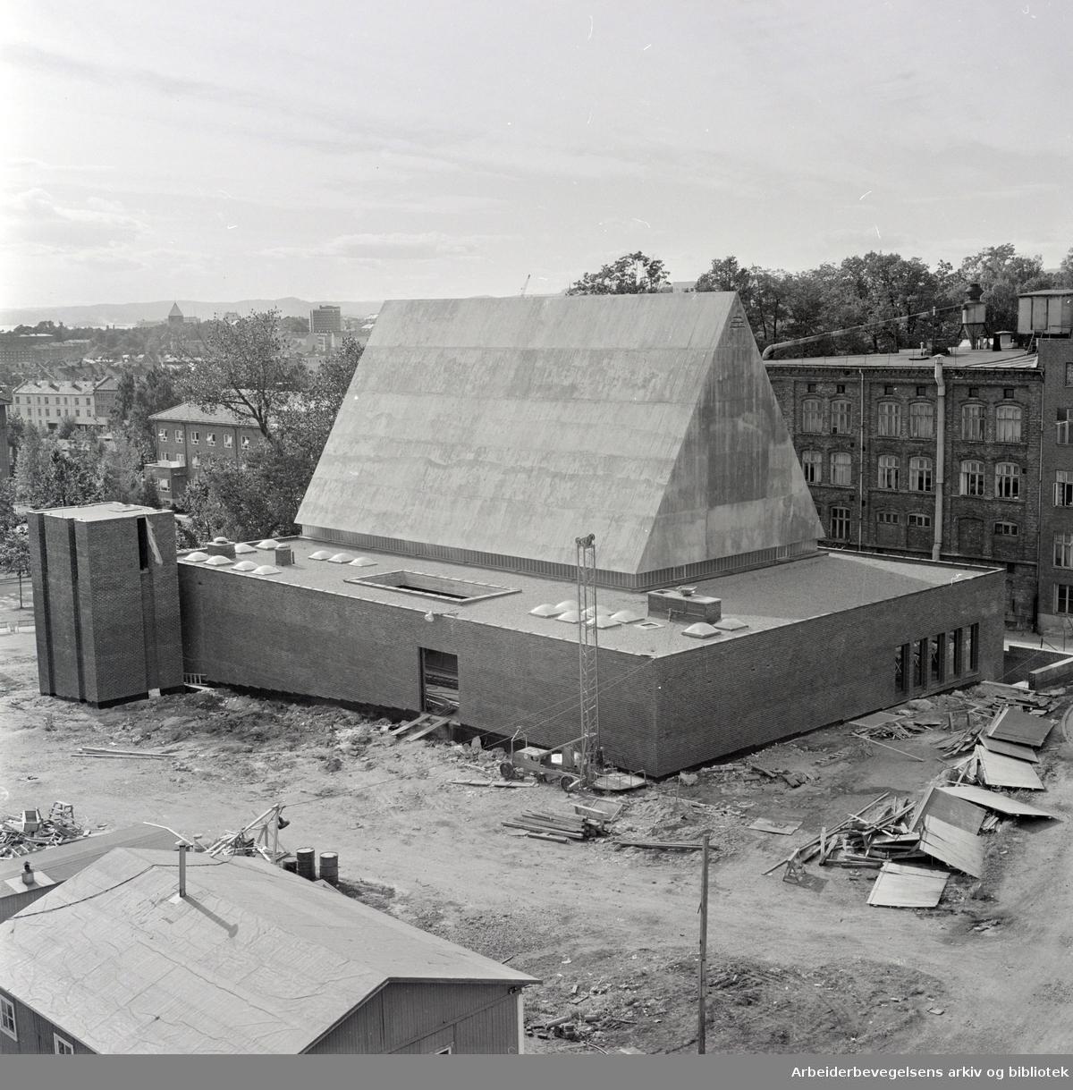 Lilleborg kirke, snart ferdig. September 1966