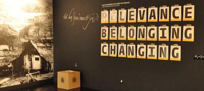 Changing. Foto/Photo