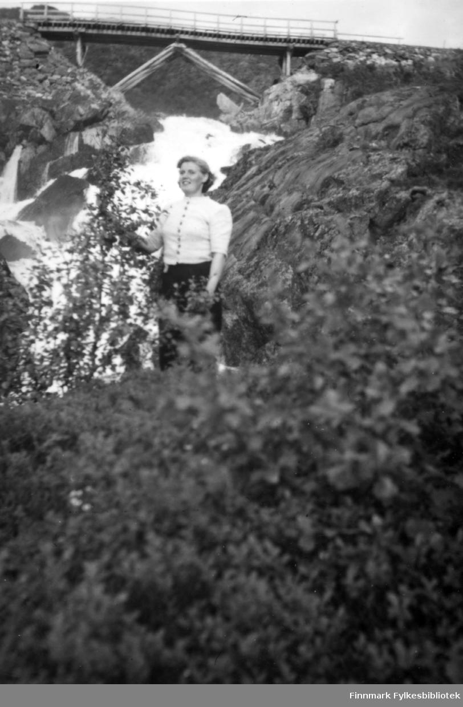 Adamsfoss. Familiealbum tilhørende familien Klemetsen. Utlånt av Trygve Klemetsen. Periode: 1930-1960.