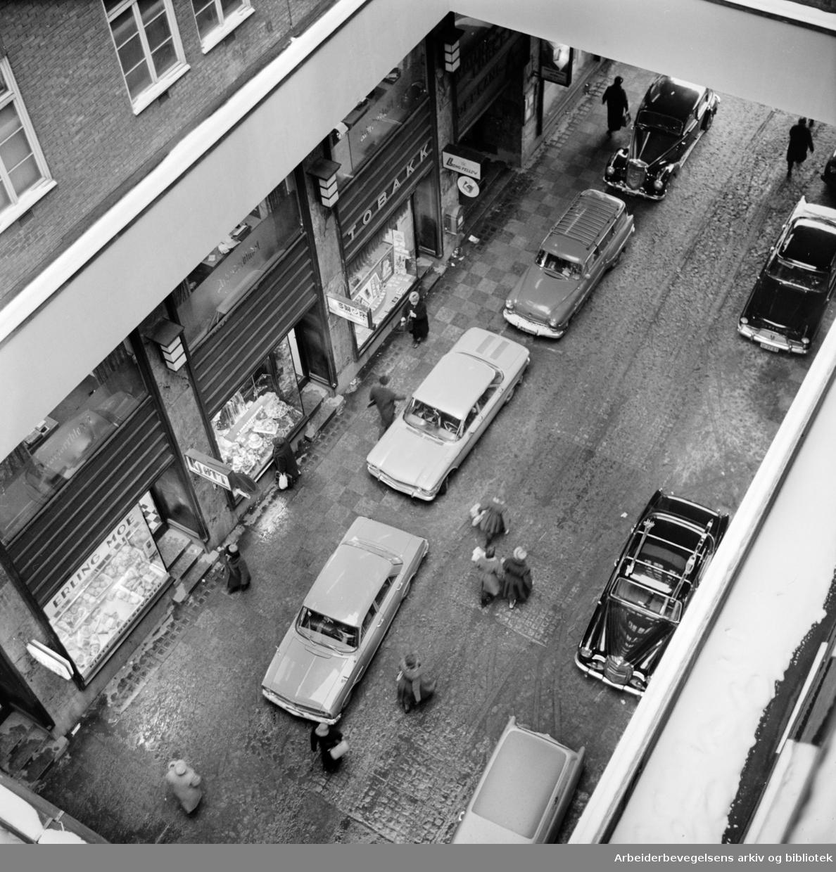 Folkepassasjen. Desember 1962