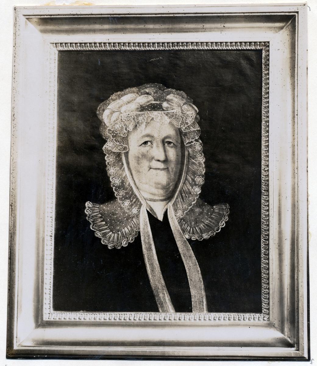 Charlotta Fleetwood, född 1752, död 1830. Foto 1925 efter oljemålning av C.P. Lehan 1827. Negativ Nordiska Museet.