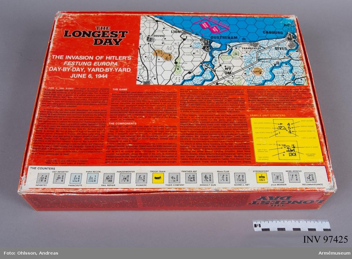 Spelet består av en spelplan i 11 delar, varav 7 i kartong och 4 i tunnare papp. Spelplanen föreställer en karta över Frankrike indelad i hexagoner. Spelkartongen innehåller även 11 kartor med sammanlagt cirka 2800 löstagbara spelmarkeringar i papp i grönt, gult, grått och beige, samt häften och lösa blad med spelinstruktioner, tabeller och diagram.