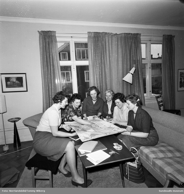 Sex Sundsvallsdamer har en diskussionsafton med internationellt tema.