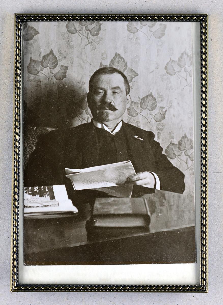Hans Uthuslien
