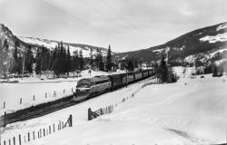 Ekstratog fra Oslo Ø i forbindelse med påskeutfarten, tog 76