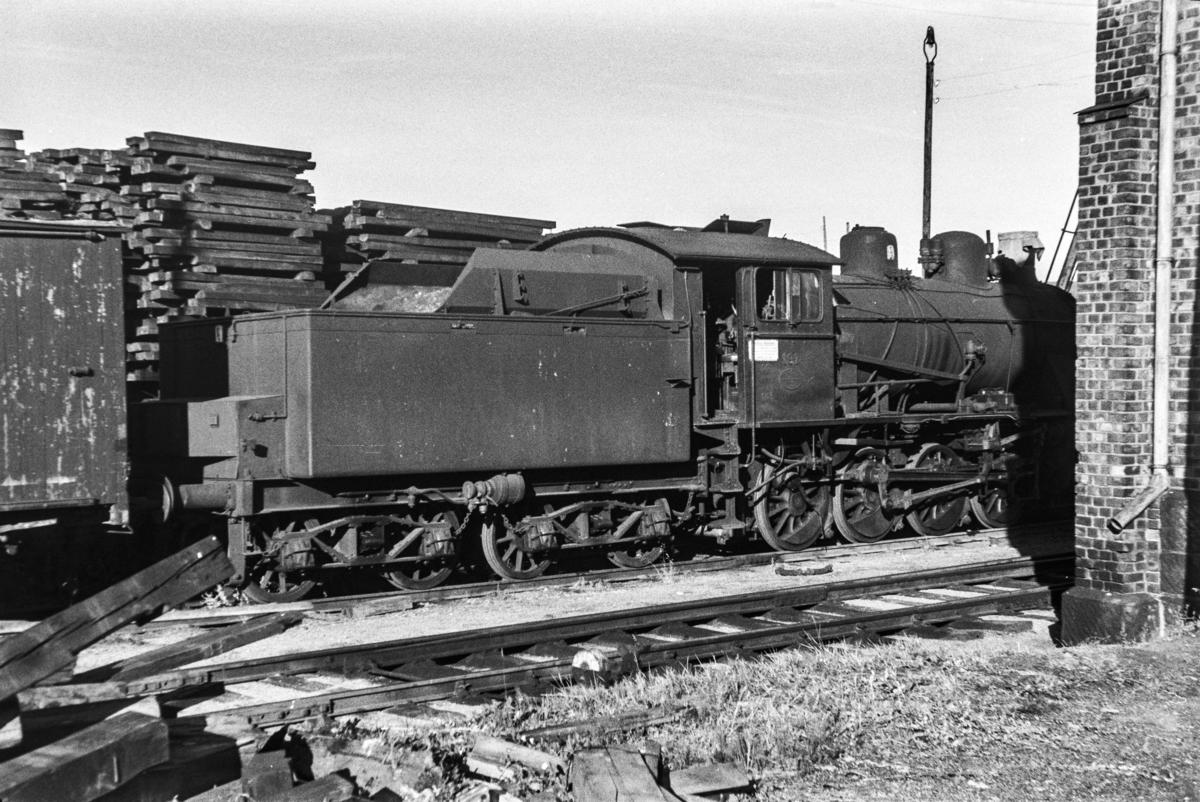 Utrangert damplokomotiv type 22b nr. 191 på Lillestrøm stasjon.