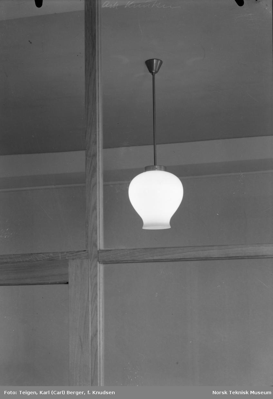 Lampe på Hotell Viking.