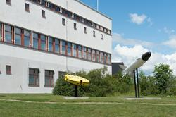 Miljö med byggnader på Lindholmen i Karlskrona.