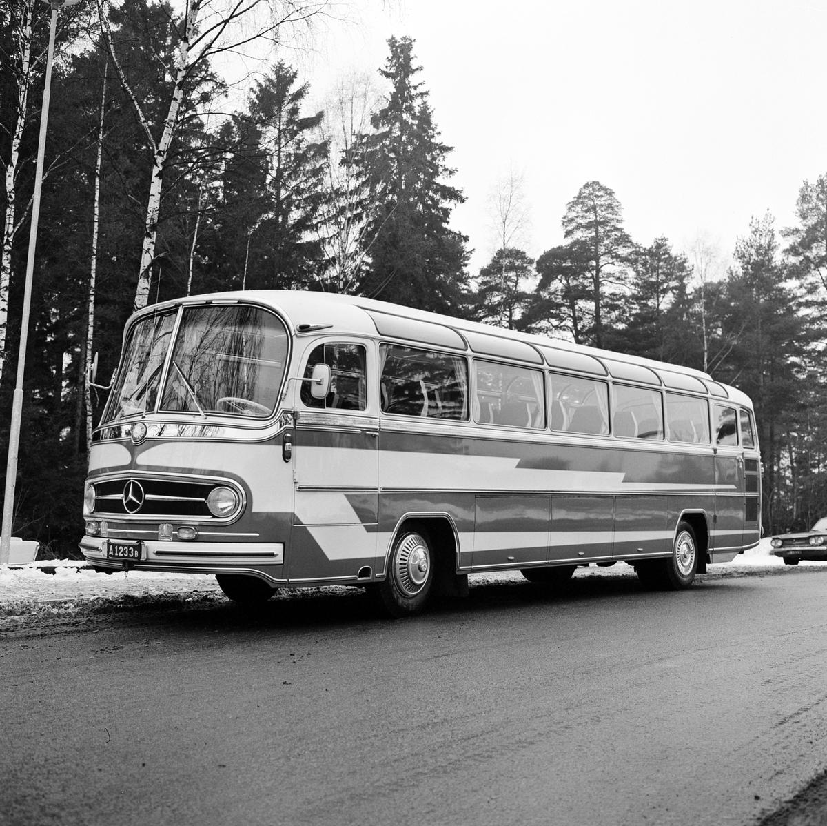 Landsvägsbuss för högertrafik