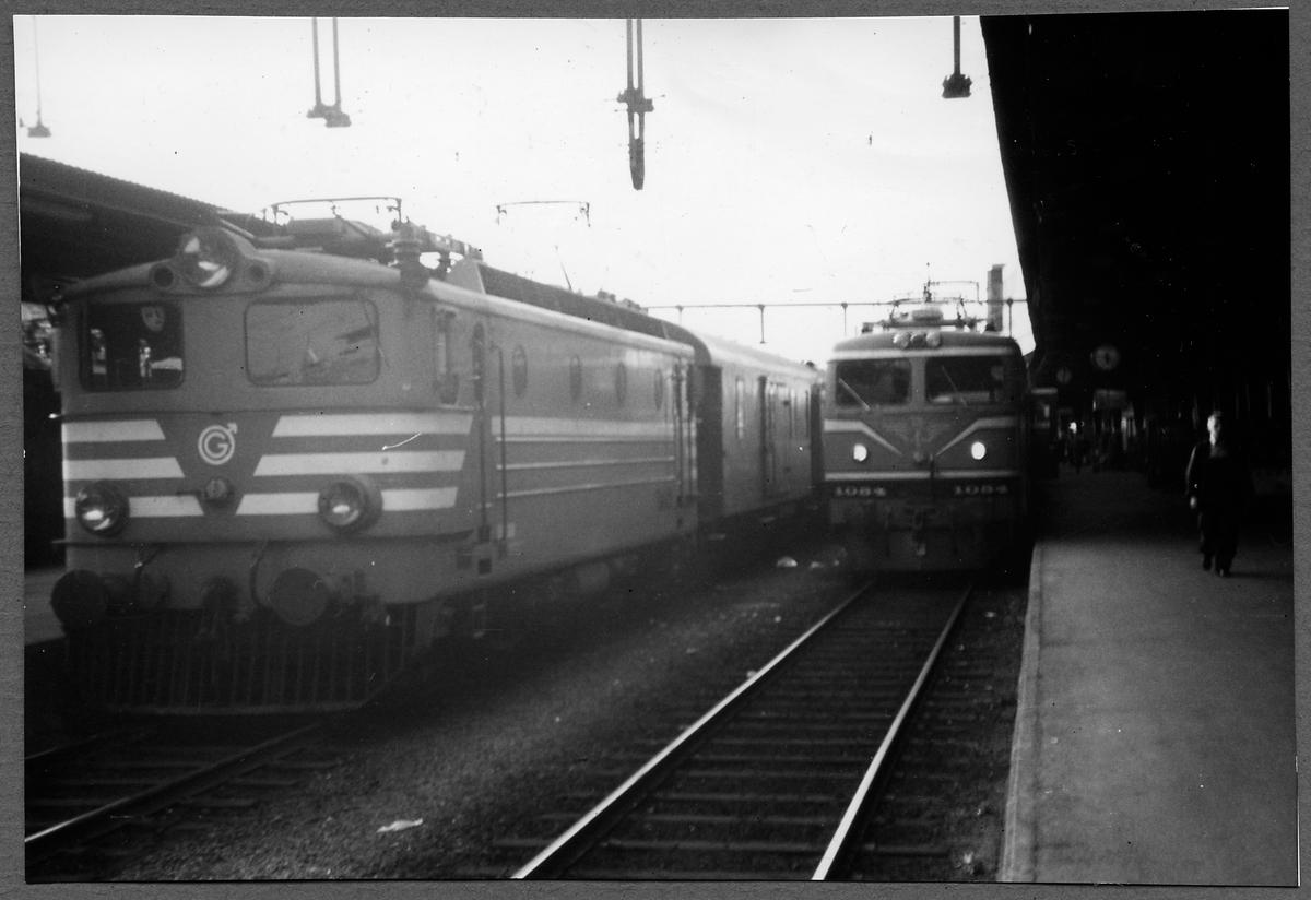 Tfv Grängesberg - Oxelösunds Järnvägar, TGOJ Bt 309. Loket tillverkades 1955 av ASEA och Nohab.