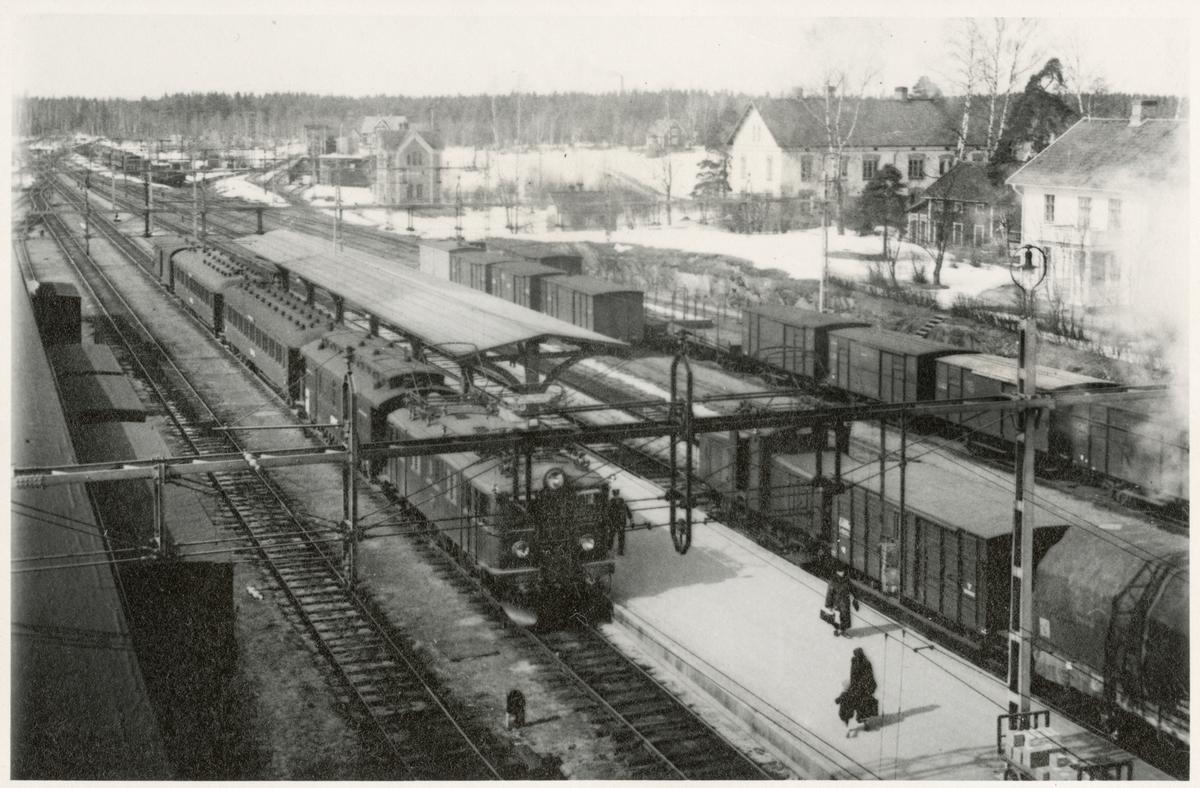 Frövi station