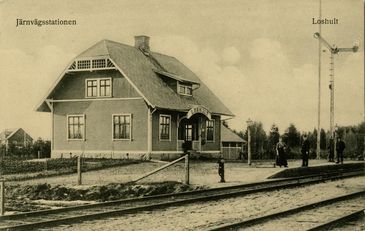 Stationen byggd 1907 .Stationen öppnad 1909 med stationshus som 1991 är kvar som privatbostad, med uthus .Hållplats med en- och enhalvvånings stationshus i trä