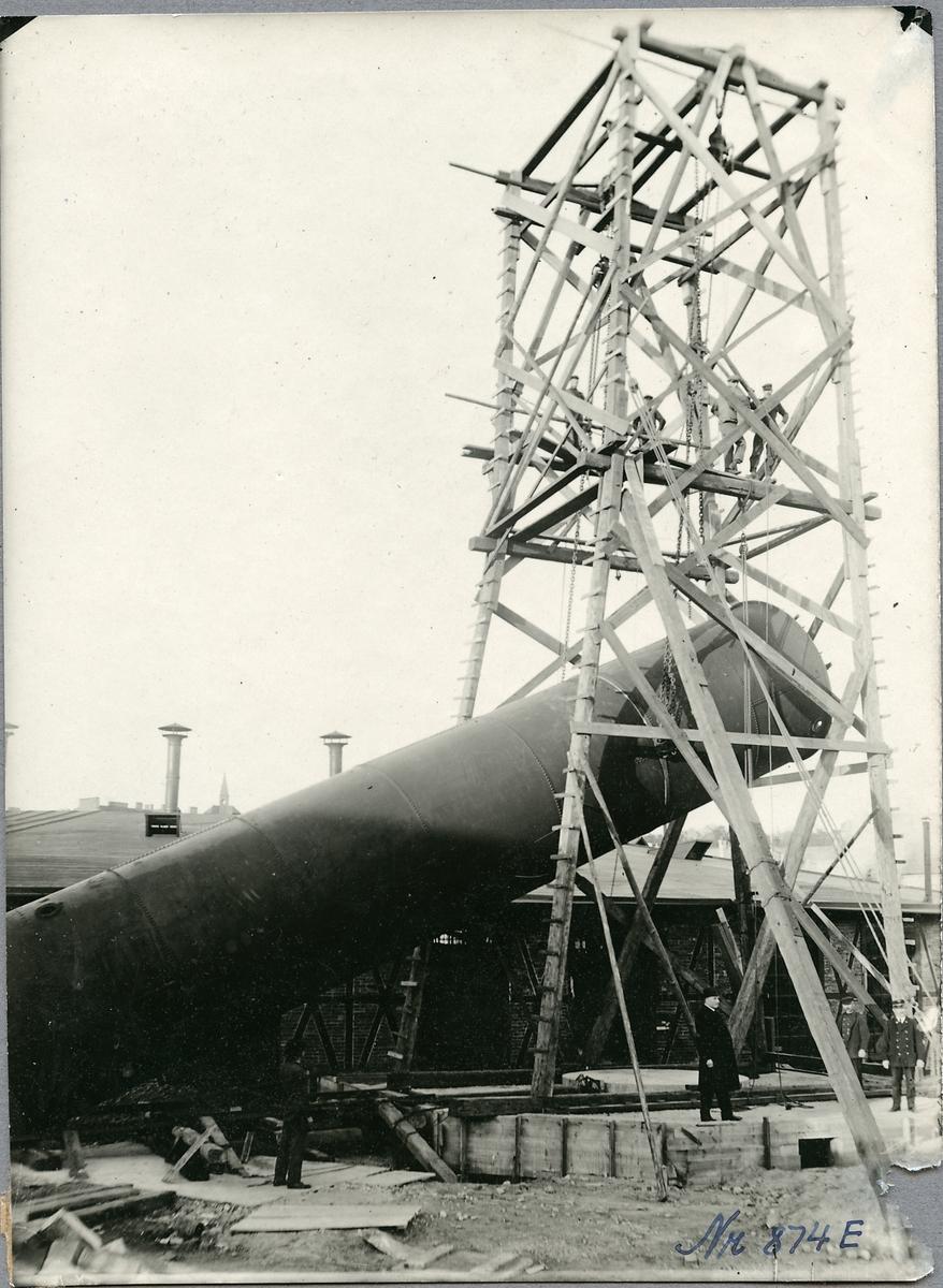 Uppförande av vattentornet i Helsingborg.