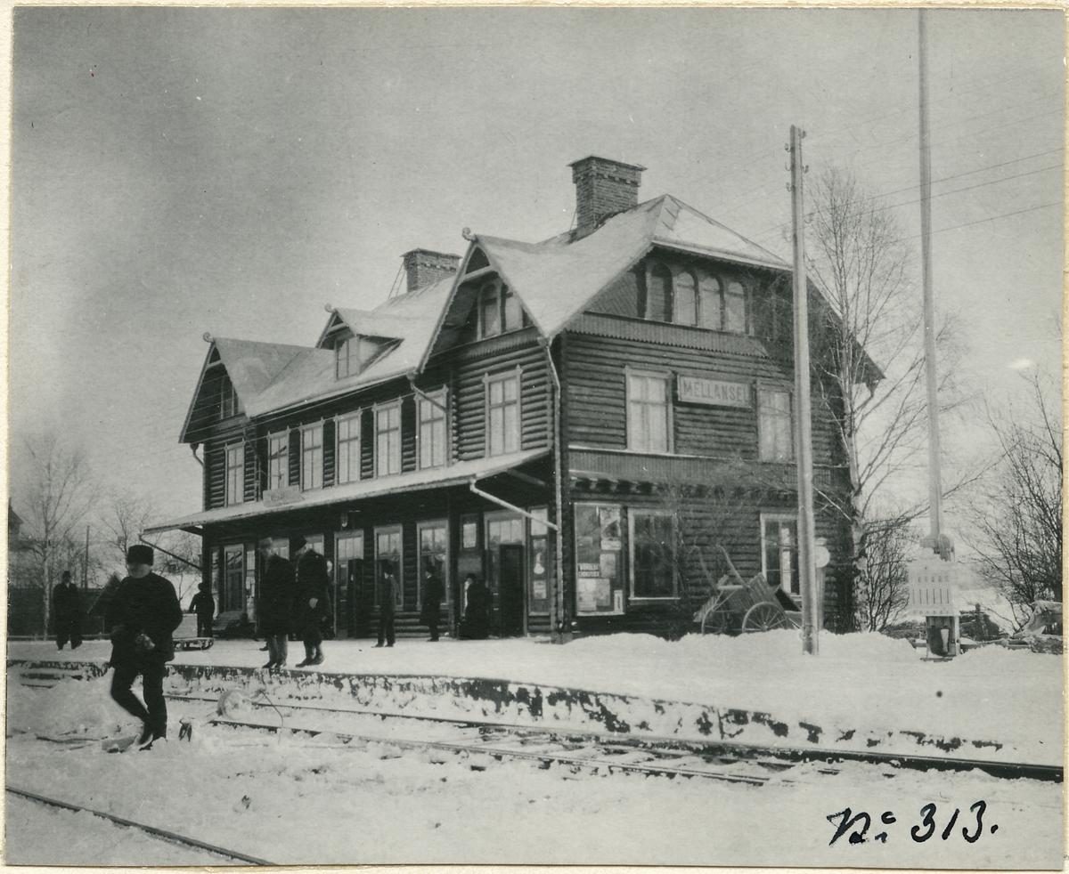 Mellansel station.
