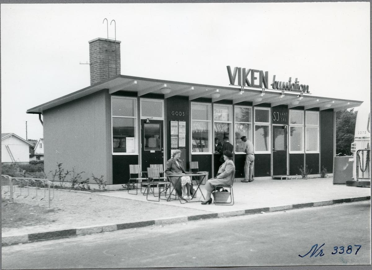 Busstationen i Viken. SJ buss 2275.