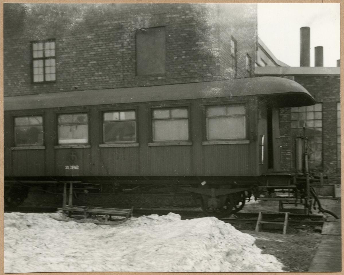 Sovvagn utanför lokstationen i Mora Noret.