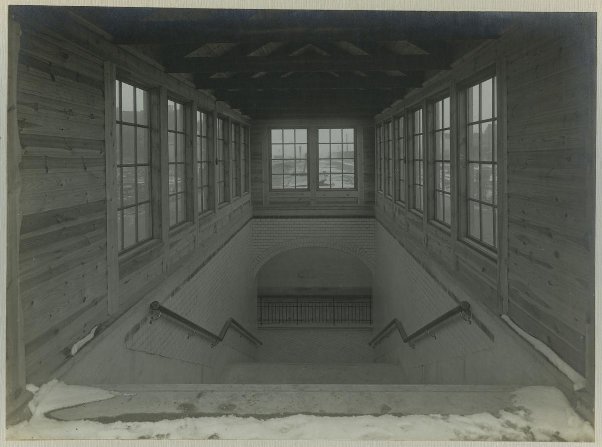 Interiör av tunnelöverbyggnad
