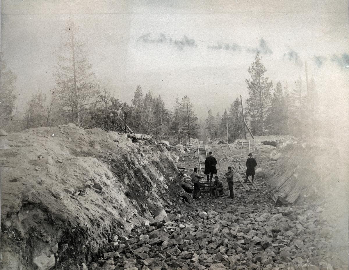 Från byggandet av Luleå-Gällivarebanan.