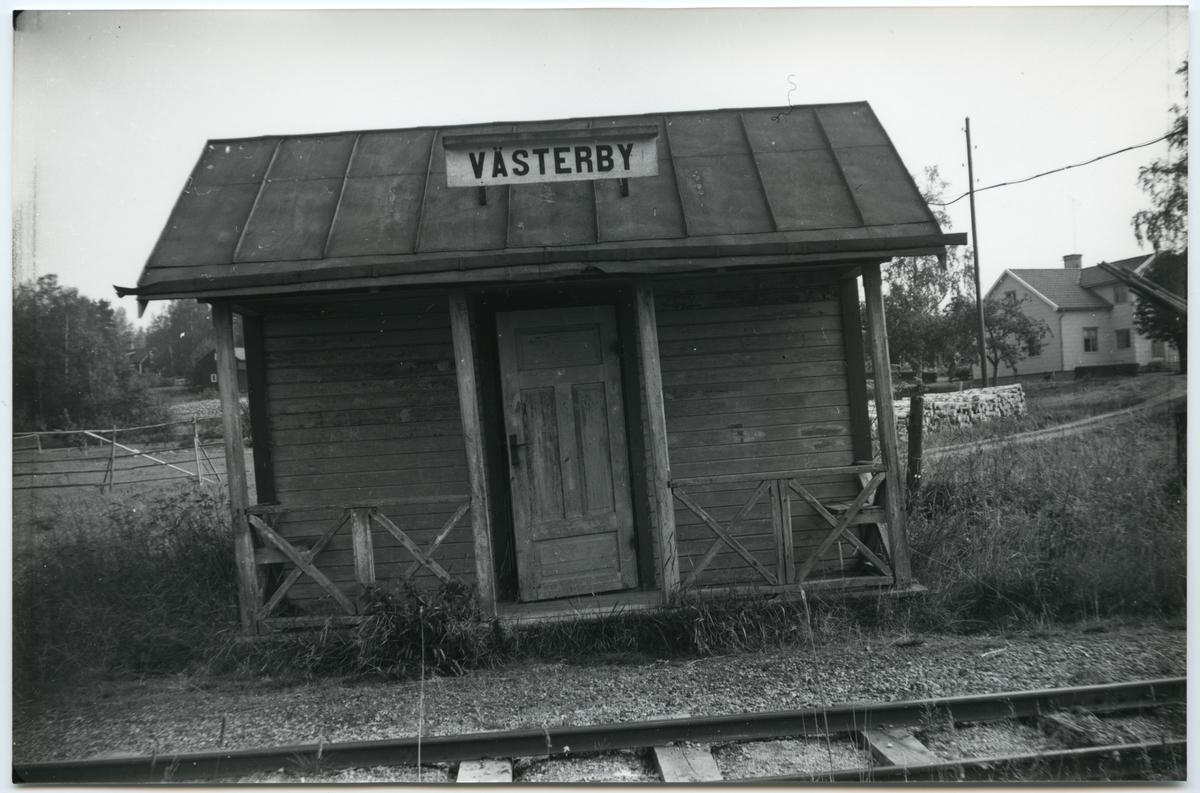 Västerby hållplats.