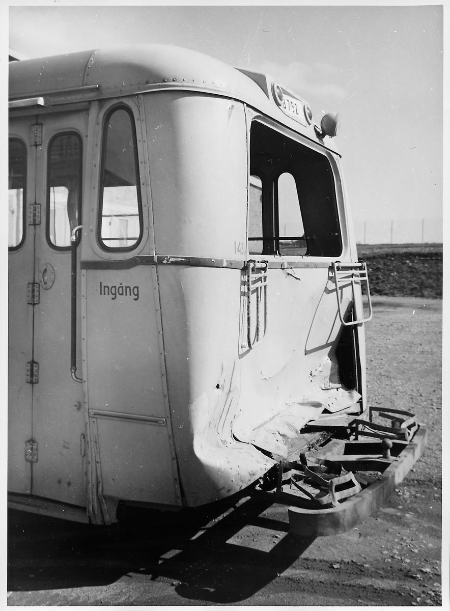 Kollisionskadad buss, Statens Järnvägars, SJ buss 1453.