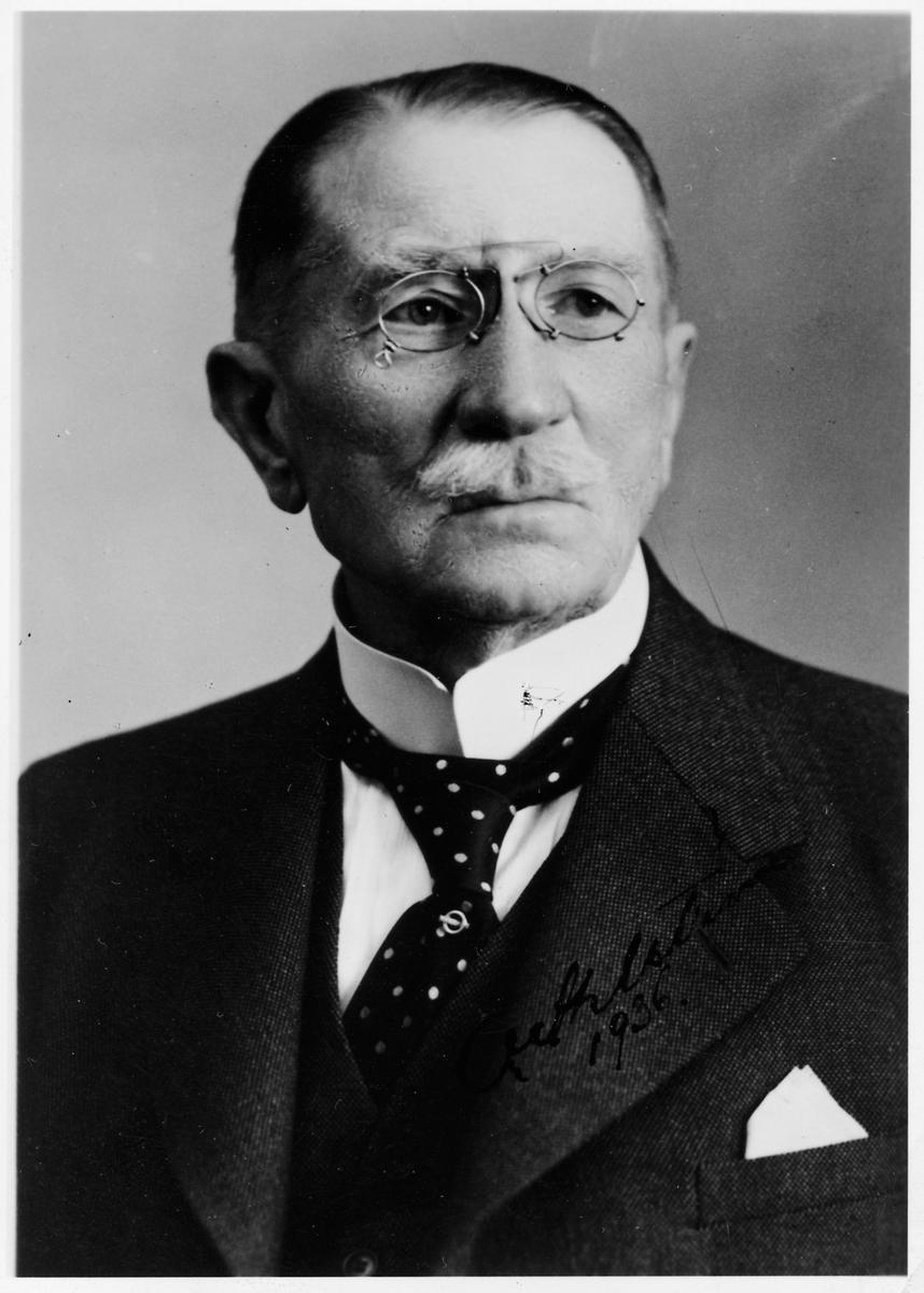 Oscar Ahlström.