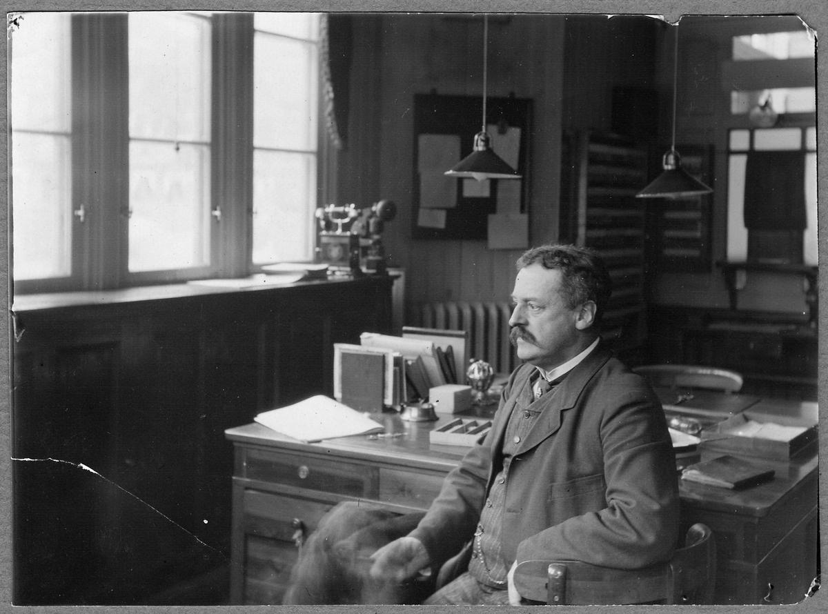 Stationsskrivare B. Gustaf W. Ramsay.