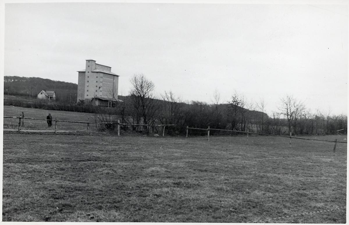 Fabriksbyggnad.