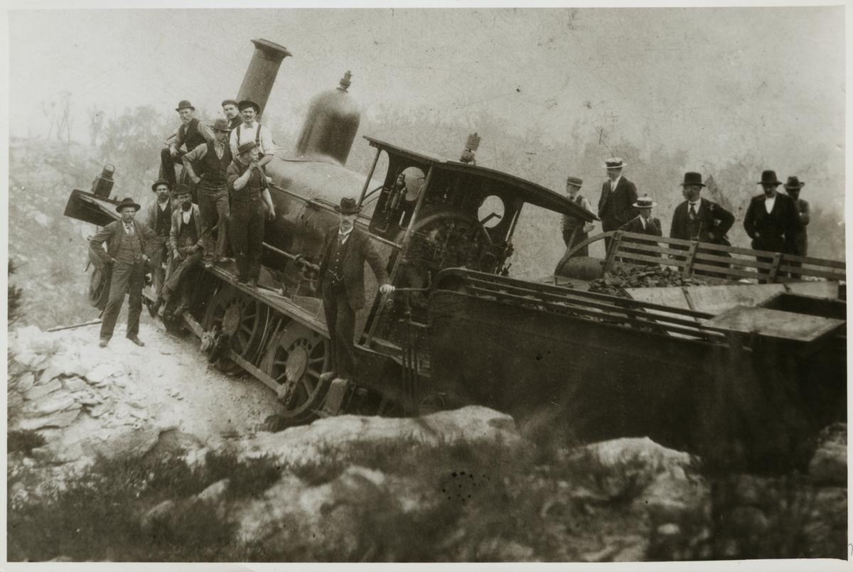 """Tågurspårning på """"Zig Zag Railway"""" i Blue Mountains med ett B klass ånglok 1892."""