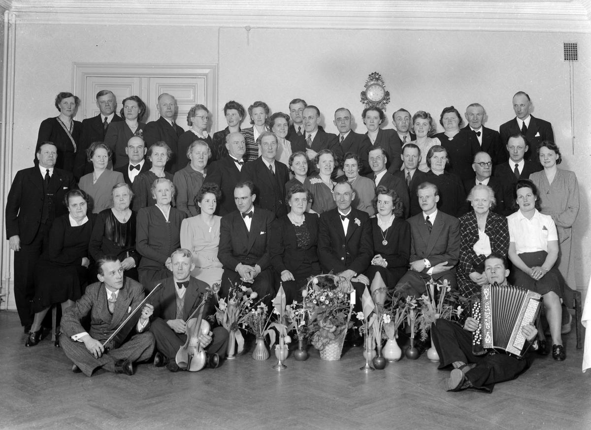 Björkman, Ströms matsal, 50 år. Foto mars 1945.