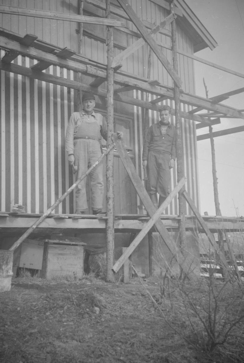 Bygging av hus, muligens i Vestringsvegen 208, Segalstad bru