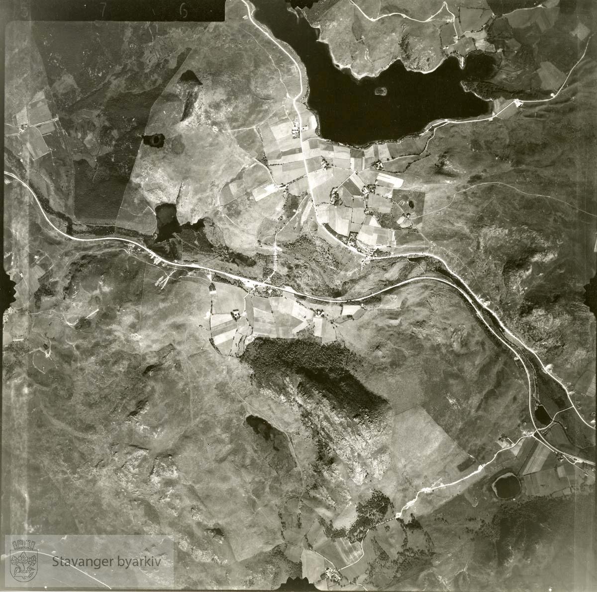 Jfr. kart/fotoplan G6/576..Bråstein, Bråsteinvatnet..Se ByStW_Uca_002 (kan lastes ned under fanen for kart på Stavangerbilder)