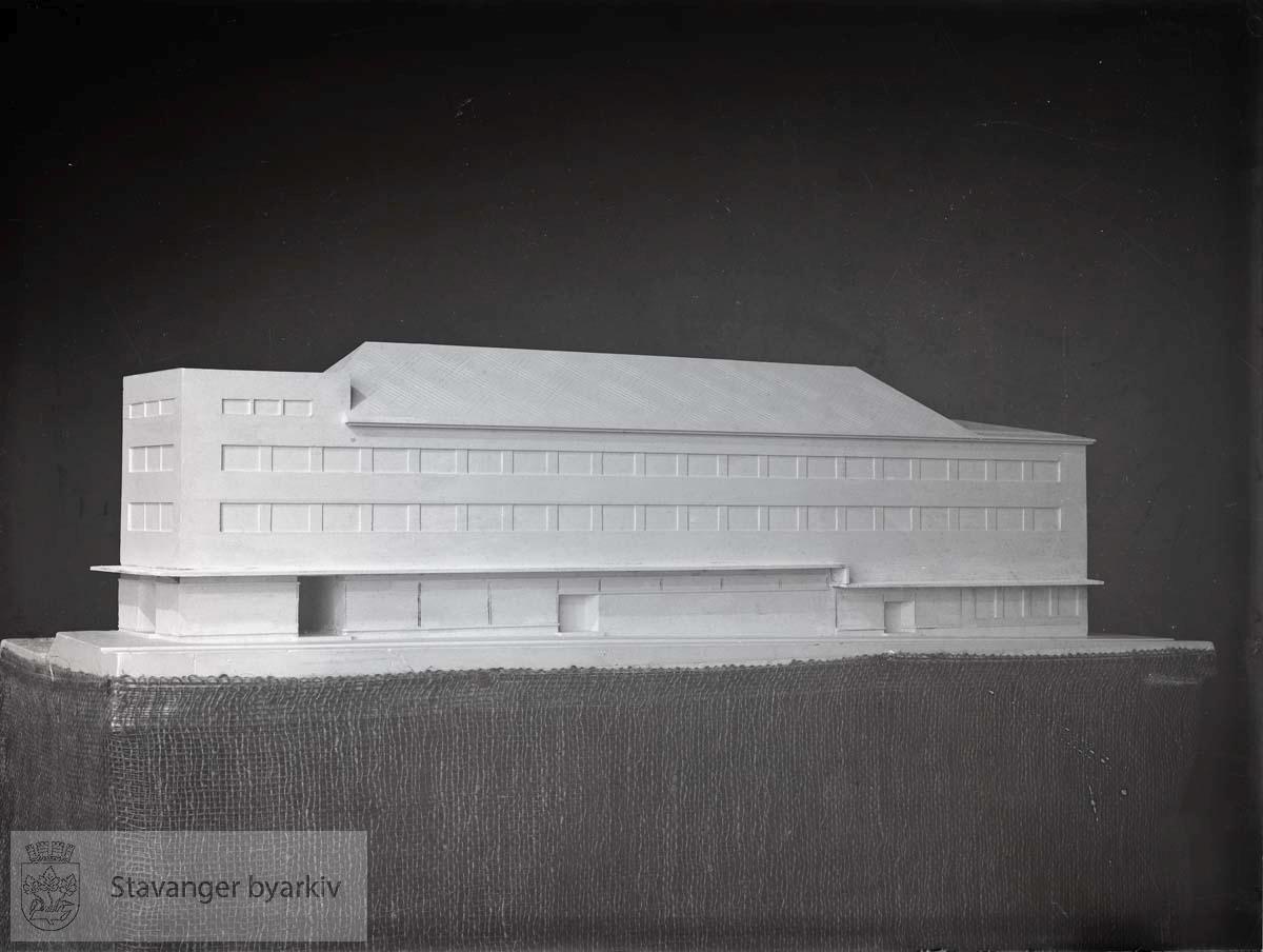 Modell av Jonas Øglænds fabrikk