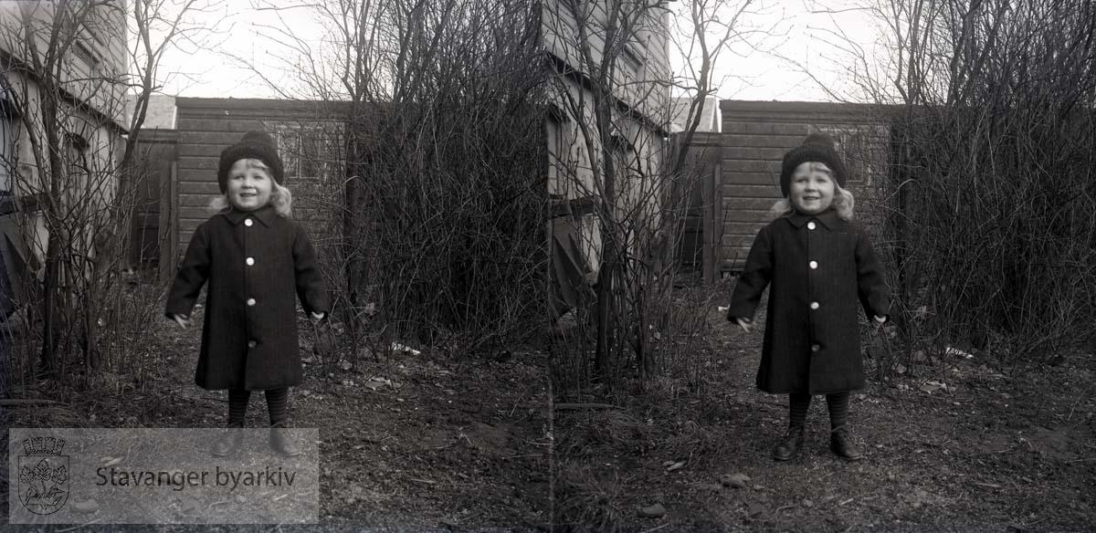 Stereofotografi..Christian Wilhelm Eckhoff. Han var født 03.06.1909.