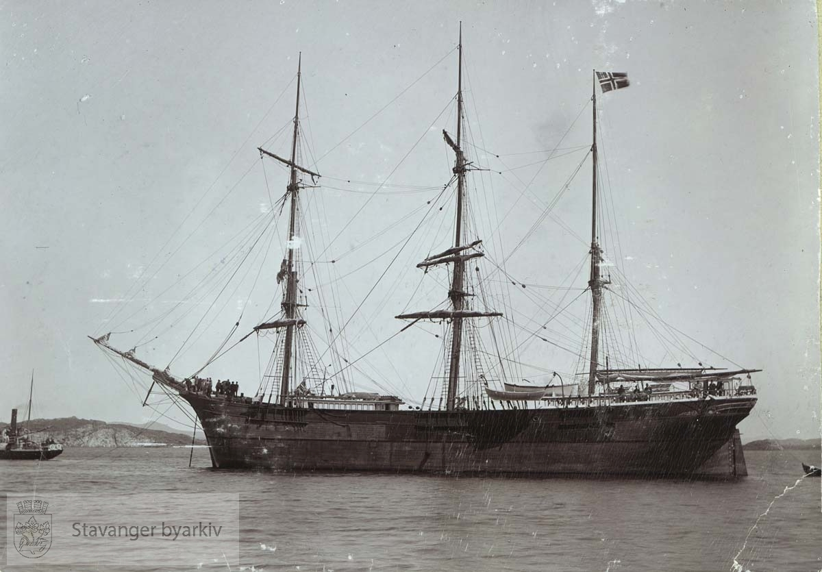 Skipets eier var Georg T. Monsen .....Seilbåt.Seilskute.Seilskip